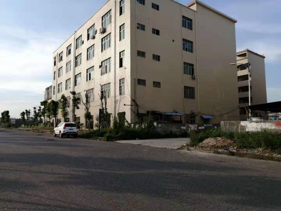 出售龙岗一手厂房占地7500建筑18000平方