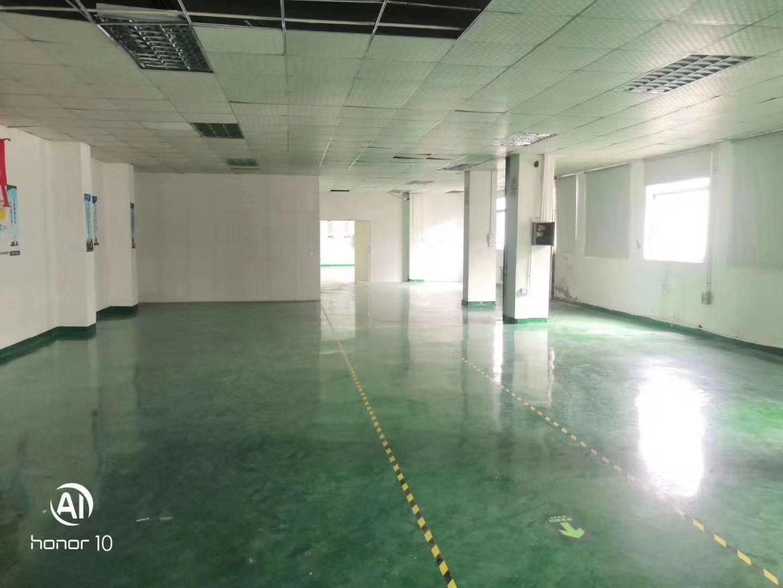 福永桥头地铁站楼上带地坪漆装修厂房可办公