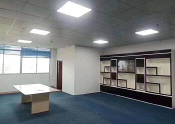 公明上村精装修办公室230平出租,交通便利,好停车图片3