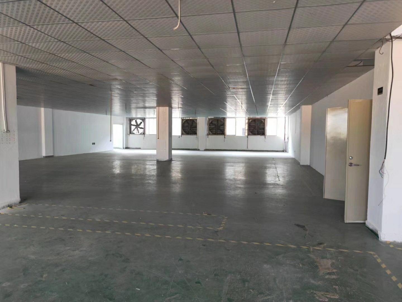 石岩水田工业园楼上装修厂房1000平米招租