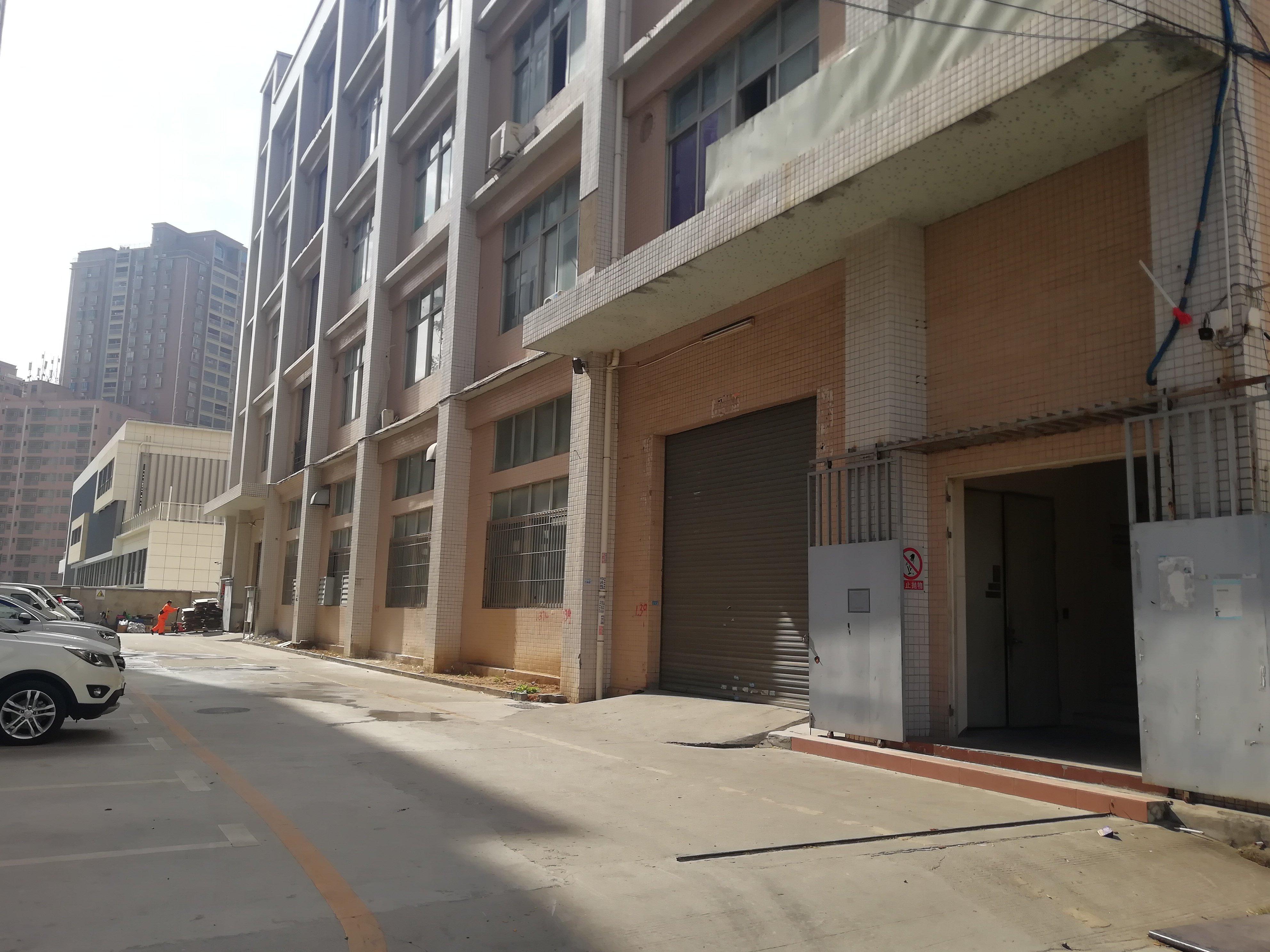 高速出口附近独门独院厂房出售总面积19339平方