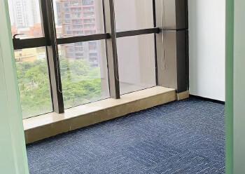 超高使用率带红本,出租珠江国际中心137平办公室图片4