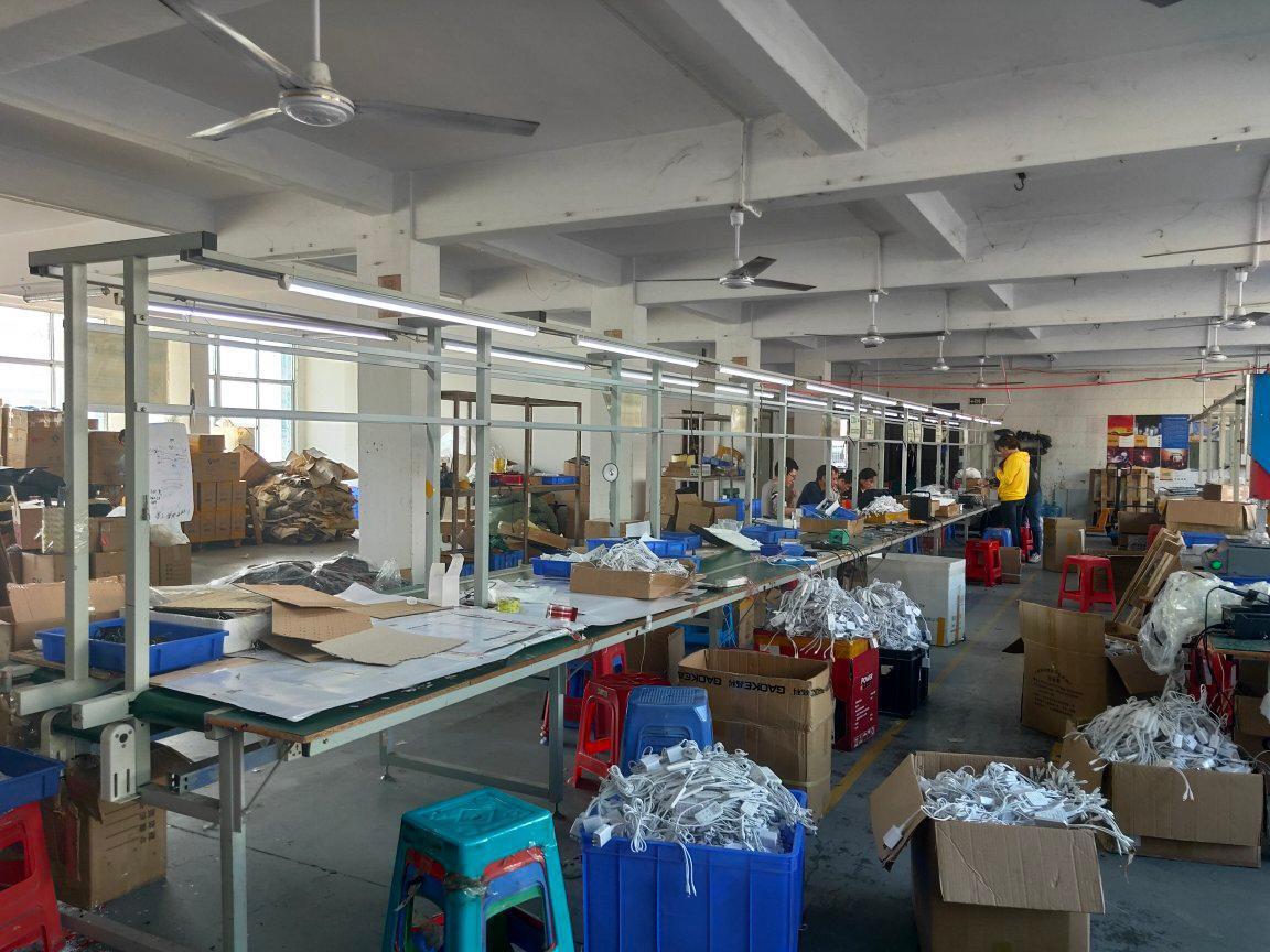 西乡航城大道边上楼上带装修390平米厂房仓库出租