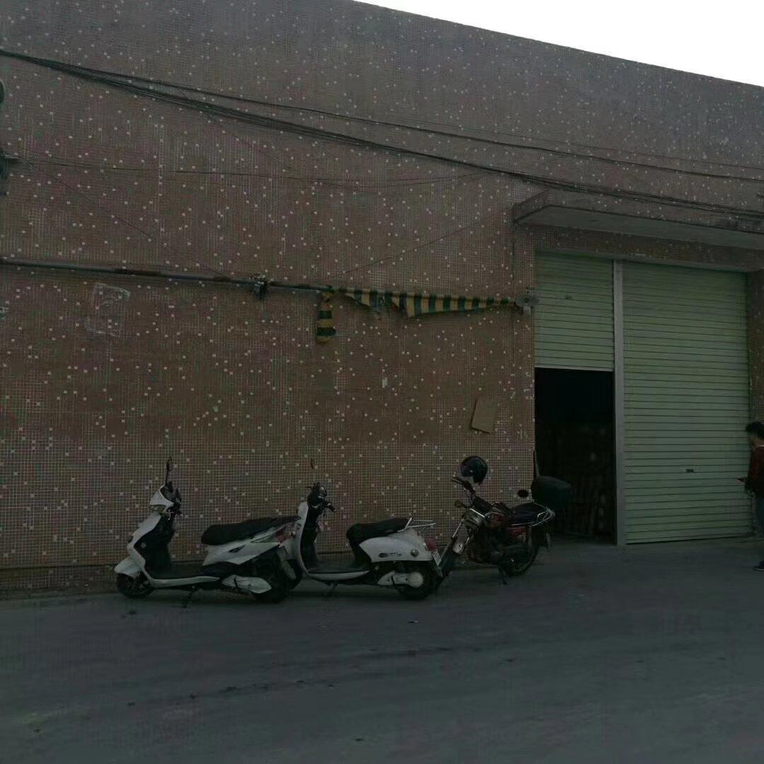 东凤永益村砖墙到顶锌棚厂房480平米,有隔热板现在办公室