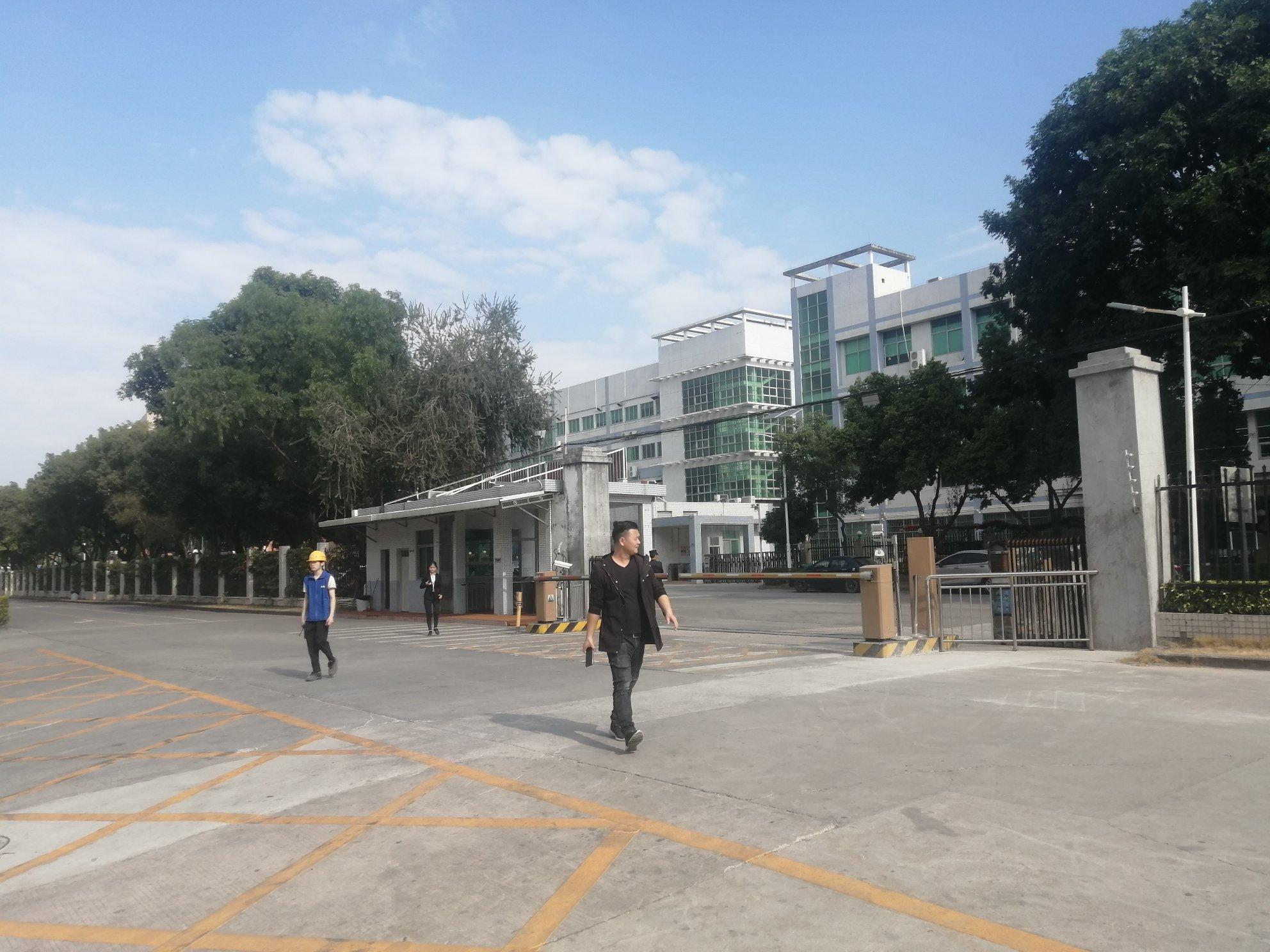 龙华新区红本厂房仓库出租8000平,带卸货平和消防喷淋,