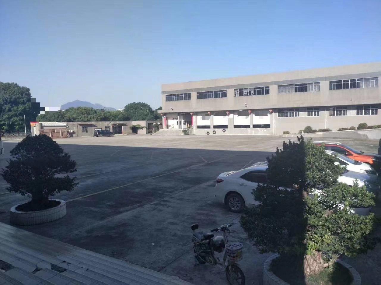 肇庆市主干道旁占地274亩建筑85000㎡国有双证厂房转让