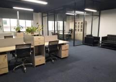 观澜新出精装修带家私空调办公室73平,可领包办公