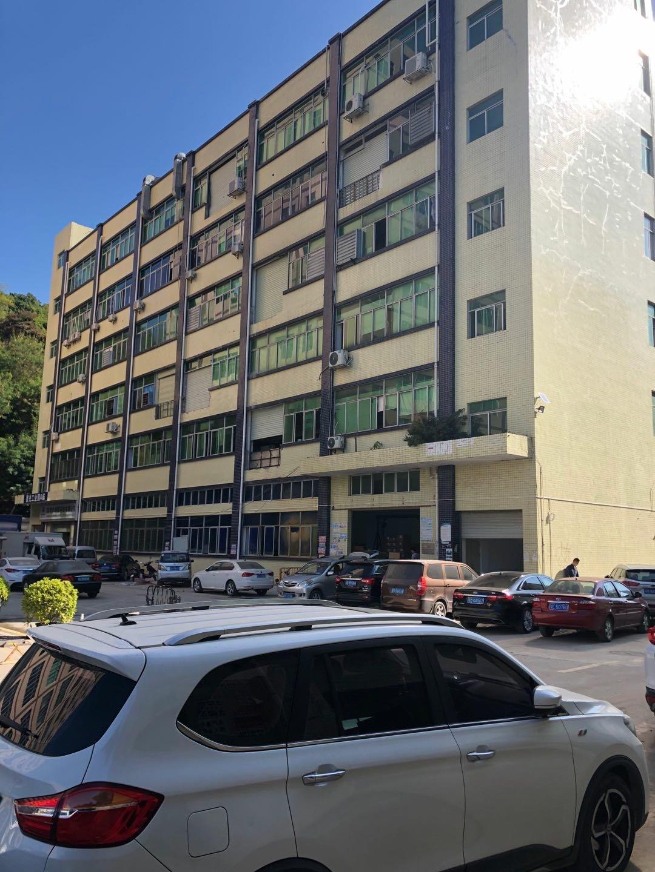 石岩石龙仔原房东,红本厂房,楼上1300平,精装修,配套齐全