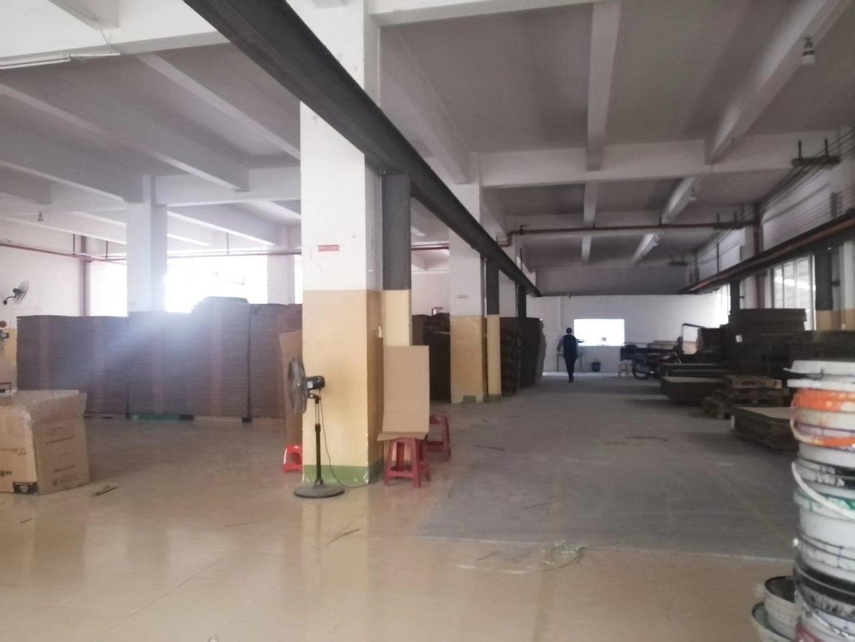 东凤镇和穗工业园区厂房1楼1200方带办公室有3吨行车