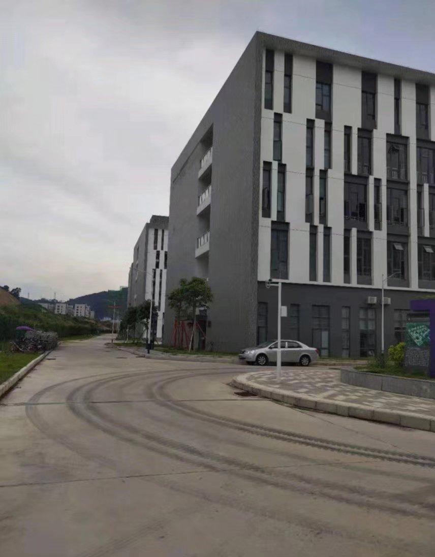 离深圳25公里全新厂房出售 国有双证厂房