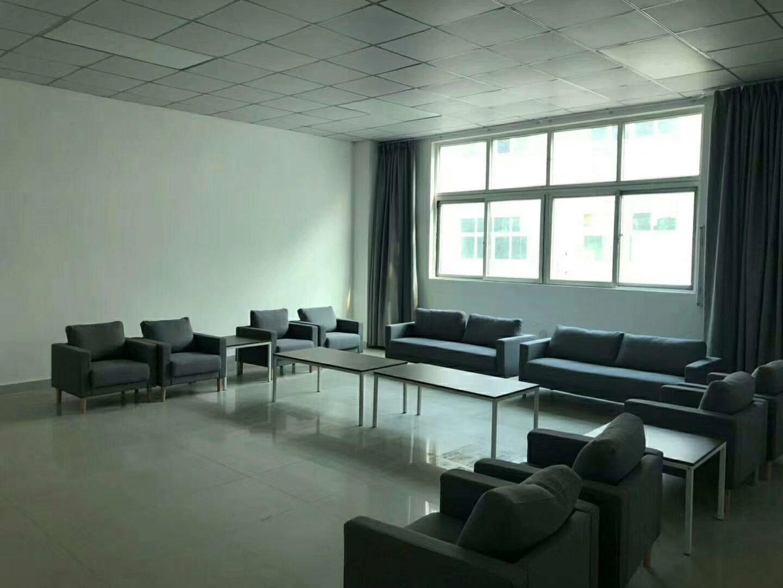 龙华新区梅观高速出口新出精装厂房仓库1500平米