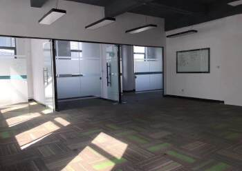龙华元芬地铁口,小面积办公室图片4