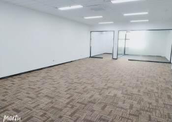 杨美地铁口,物业直租220平办公精装出租图片1