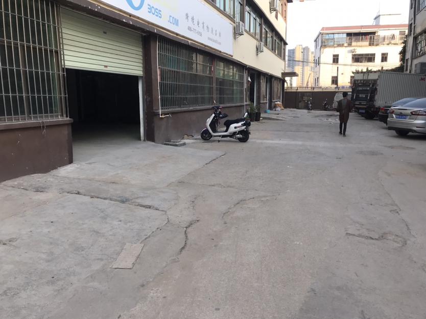 黄田新出厂房595平米,非常适合物流仓库