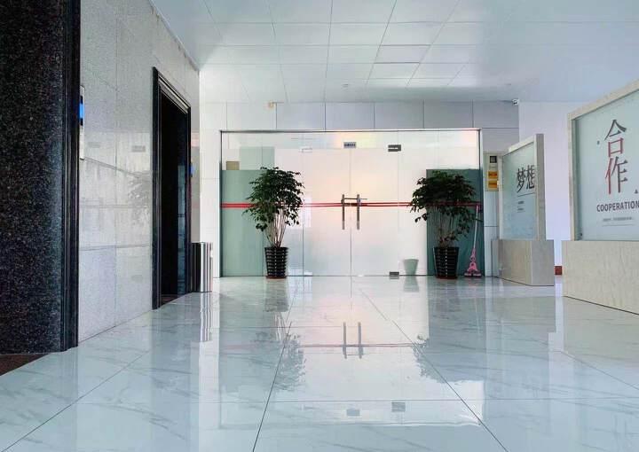 万江全新写字楼中高层四面采光户型方正超佣价出租2100元全包图片3