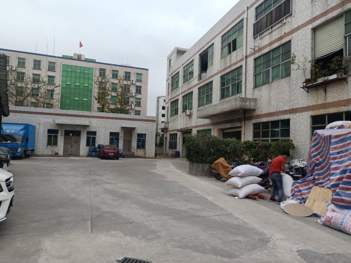 平湖鹅公岭三楼整层1100平方原房东厂房实际面积出租