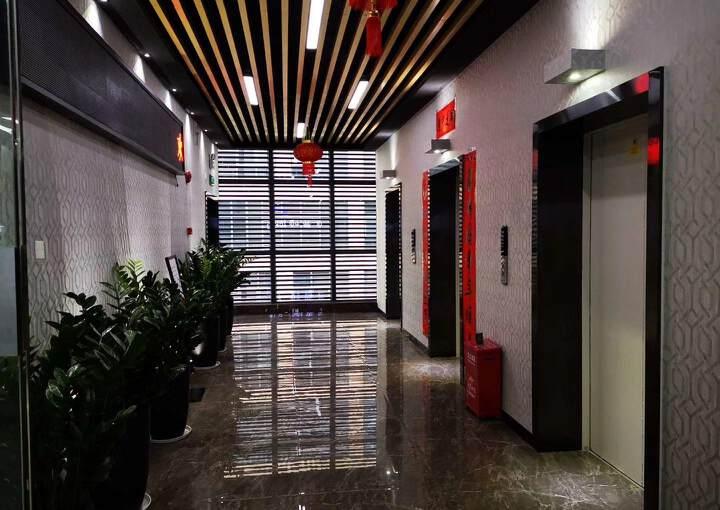 观澜高新产业园楼上精装修办公室大小面积分租图片2