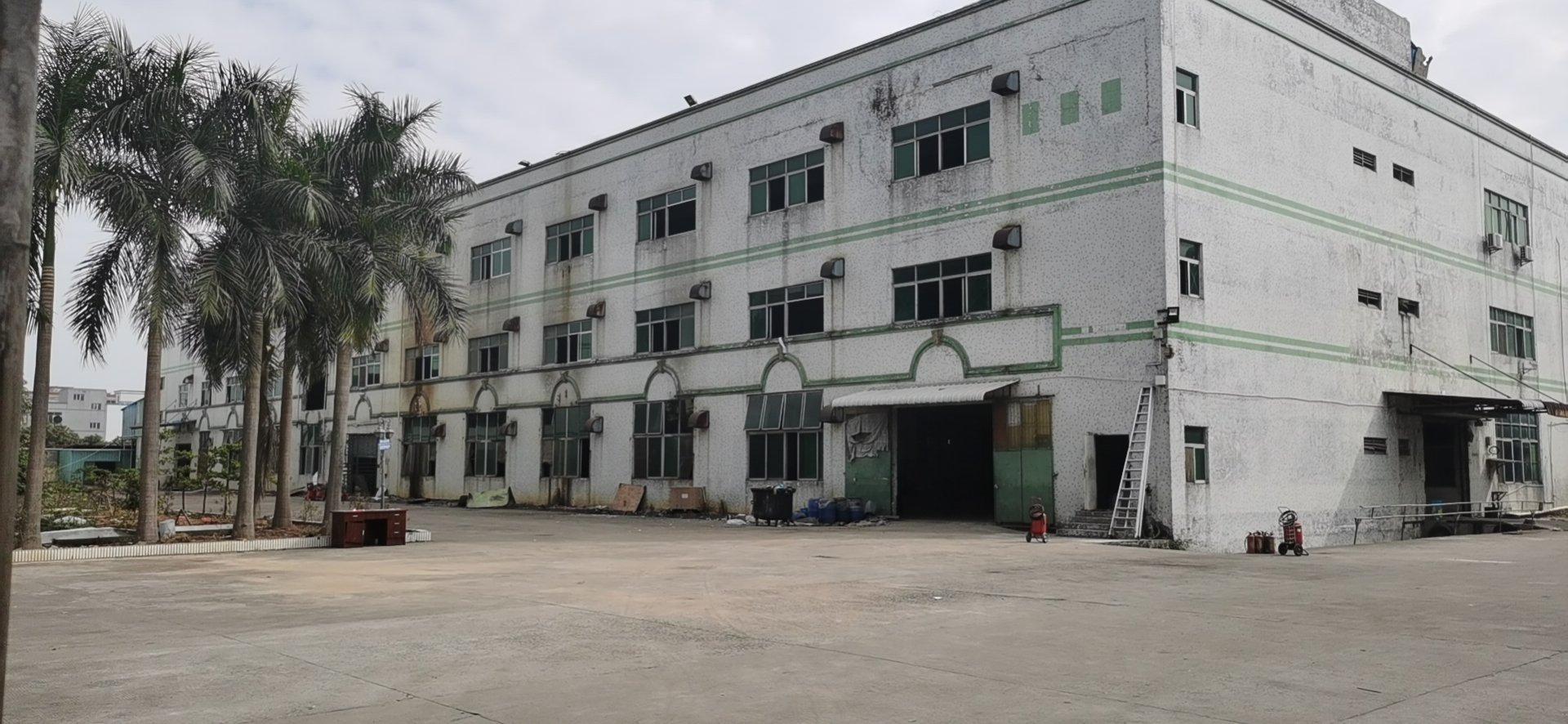 东莞新出花园式独院厂房16000平出售超低价2300块一平方