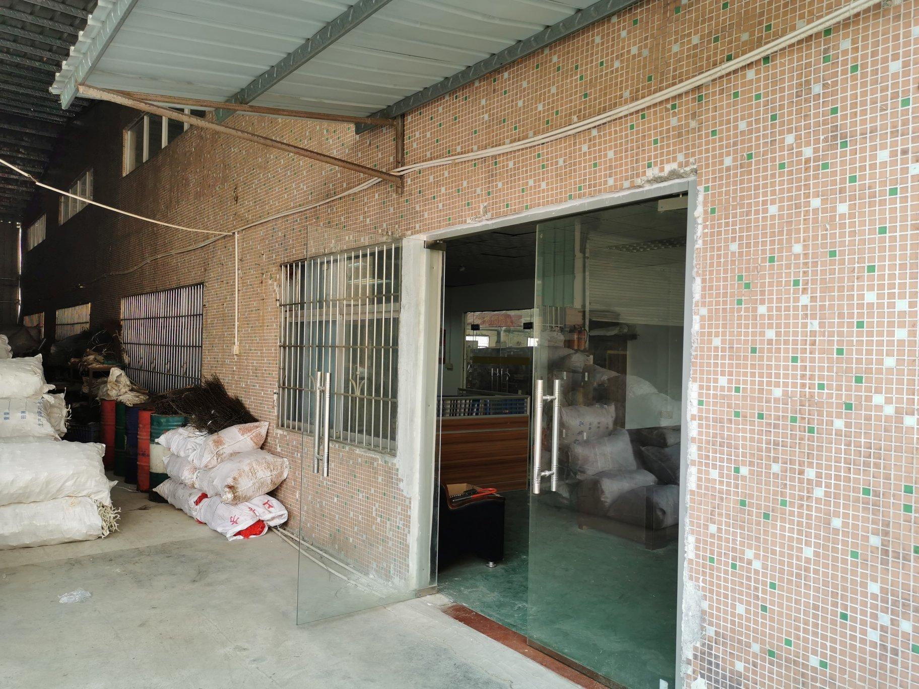 惠州市仲恺高新区高速出口附近小面积钢构1000平米滴水7米