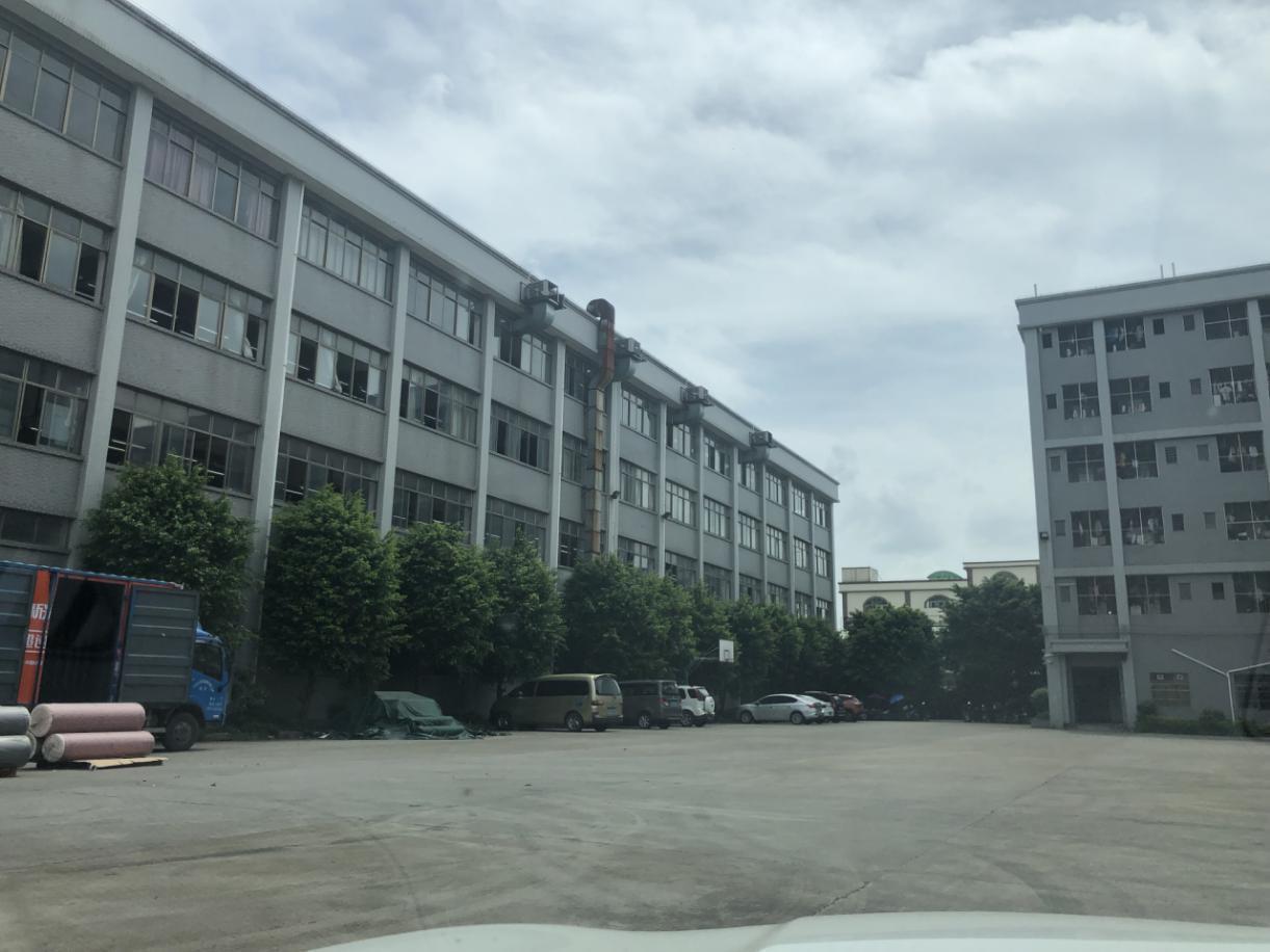 独院花园式厂房。厂房三栋,宿舍一栋,办公楼一栋。