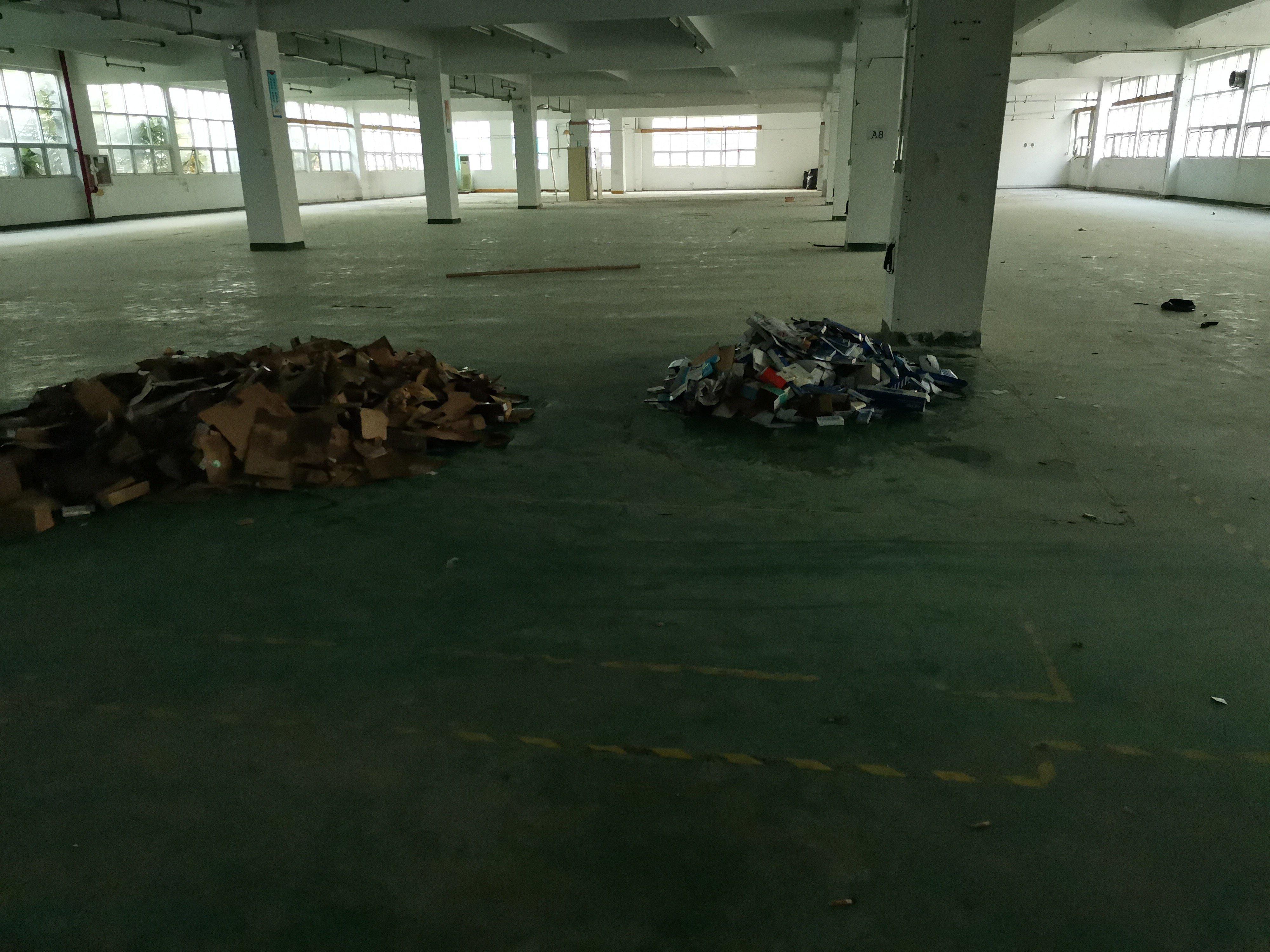 沙井镇新桥高速路附近200米,楼上办公仓库720平