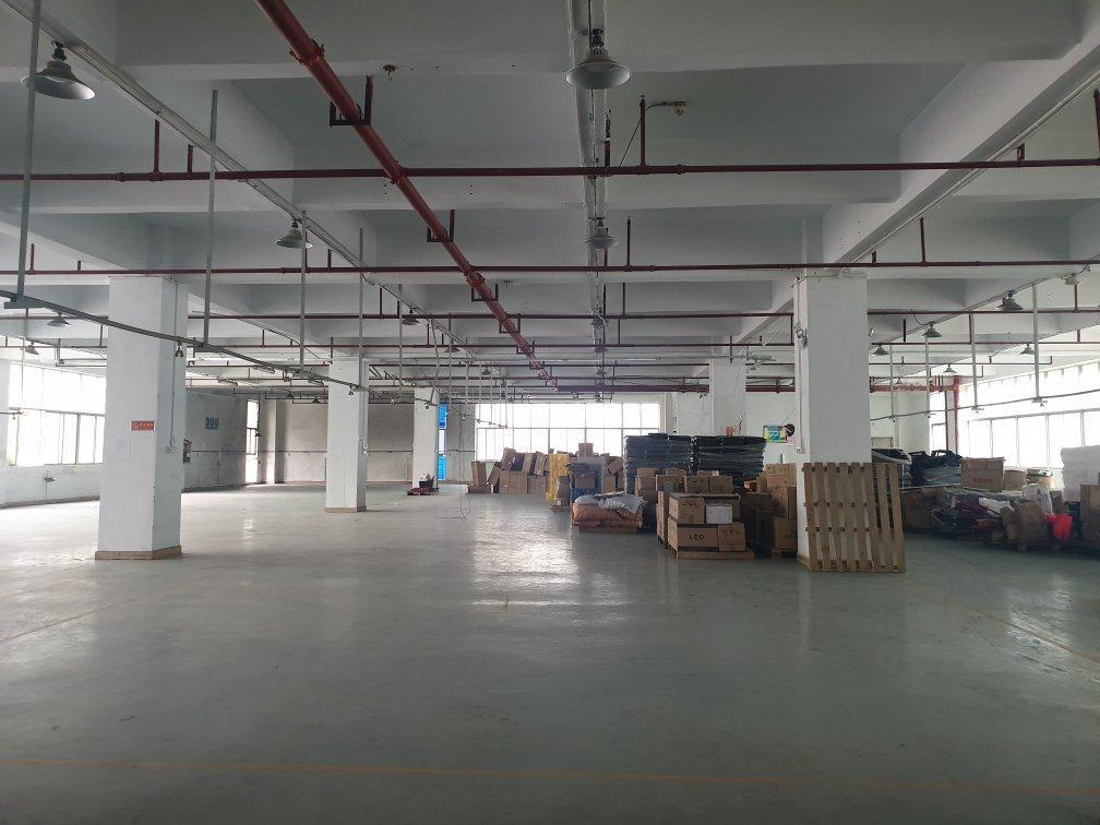 深圳,东莞桥头总建筑面积12000平方。 使用年限35年。
