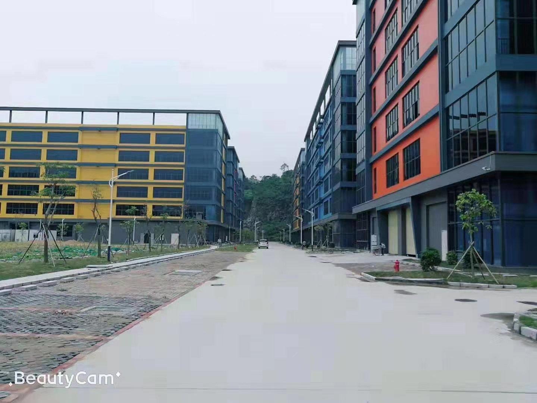 平湖富民工业区一二楼1080平方米带装修厂房仓库出租