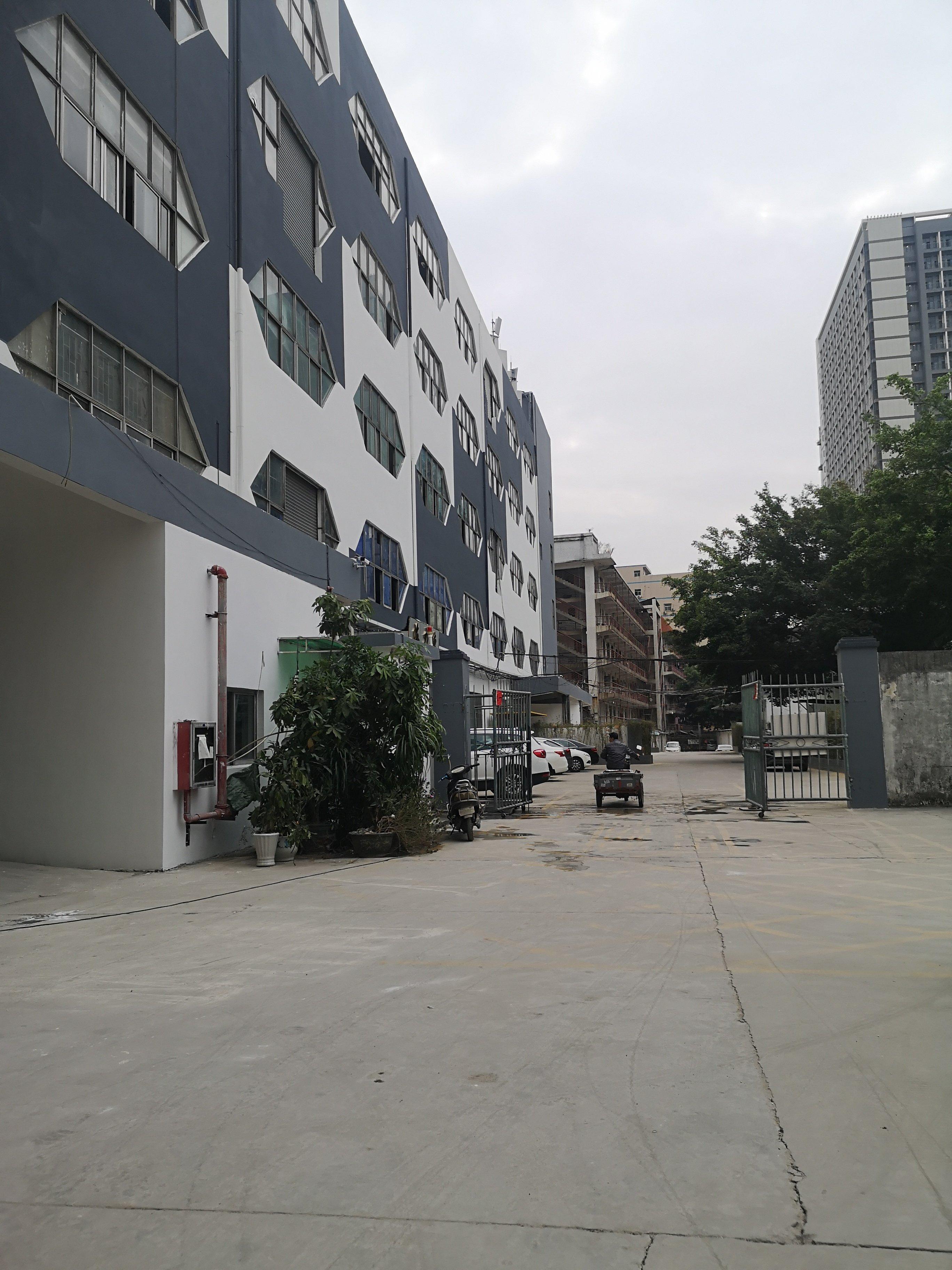 西乡银田工业区楼上900平带装修厂房出租