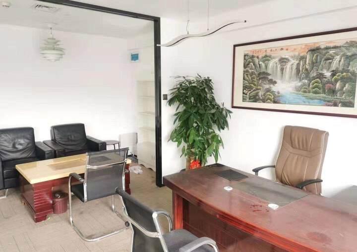 深圳市龙华清湖地铁口甲级写字楼245平方图片2