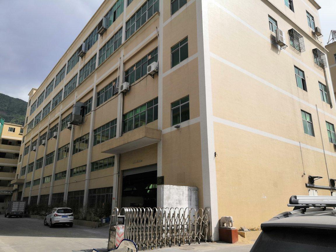 清溪高速路口厂房楼上一层2100平出租有精装修水电齐全空地大
