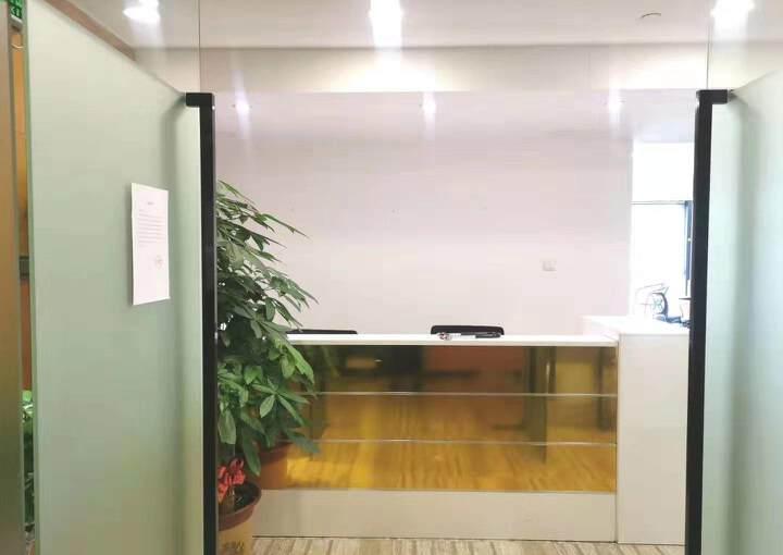 深圳市龙华清湖地铁口甲级写字楼245平方图片1