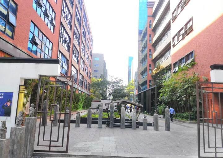 龙华深圳北民治地铁站1970科技小镇新出360平精装修办公室图片7