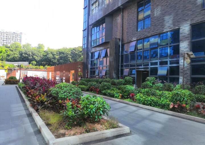 龙华深圳北民治地铁站1970科技小镇新出360平精装修办公室图片1