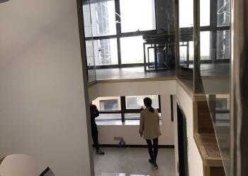 深圳北地铁站精装复式75平小户型带全套家具图片2