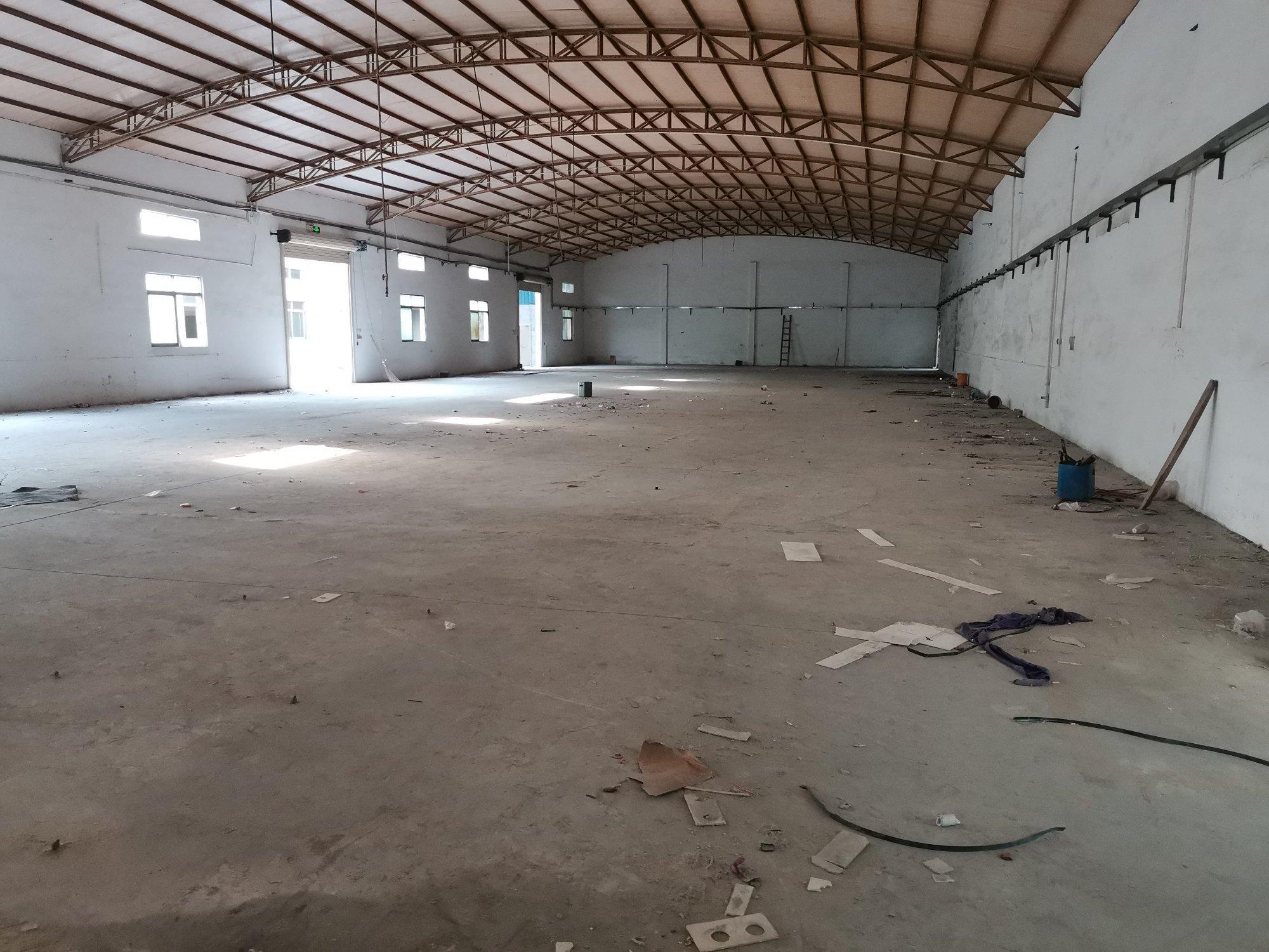 坪地钢构厂房1200平出租,价格便宜,空地大