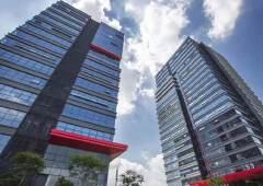 于深圳市宝安区,地处深圳前海自贸区建筑面积47000平方