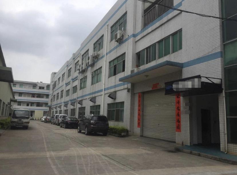 深圳坪山滴水高度7米,标准厂房出售。