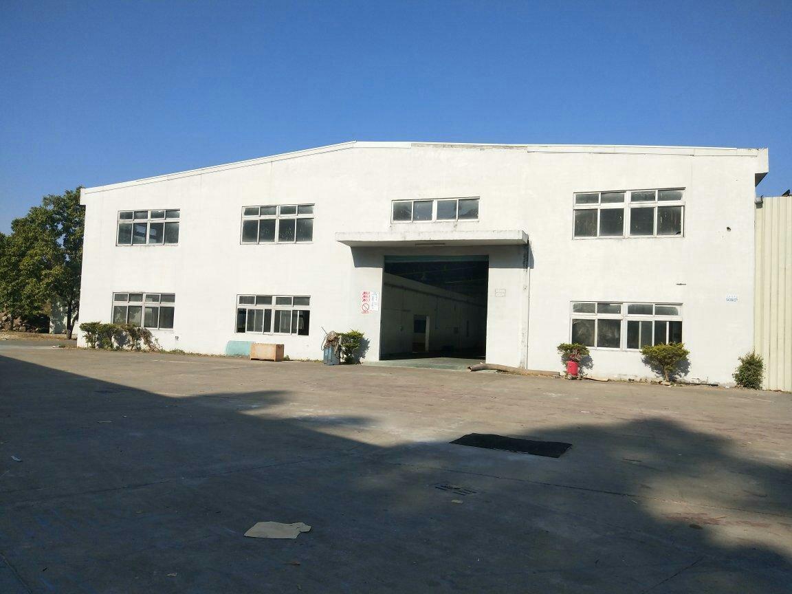 横沥镇原房东独院单一层仓库2500平方空地大可分租