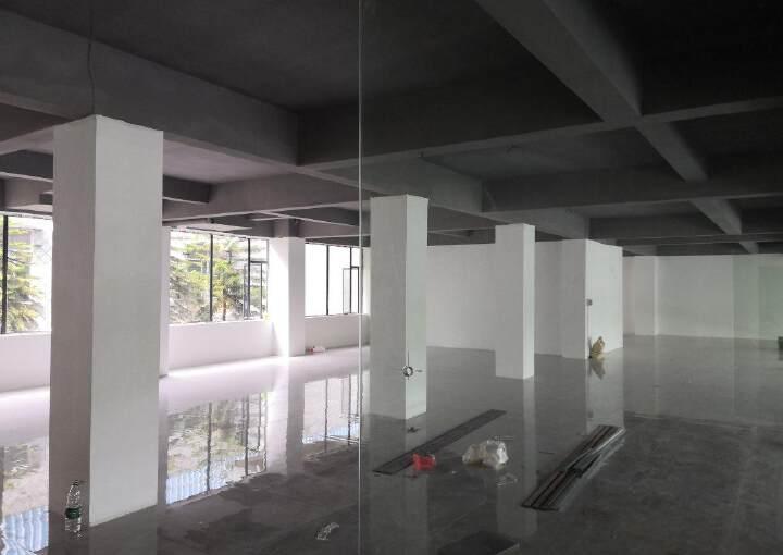 简装380平米办公室即租即用免中介费图片3