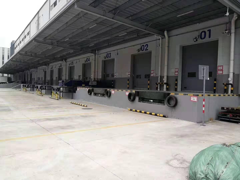 高速附近独院标准物流仓库15000平方,有消防喷淋,11米高