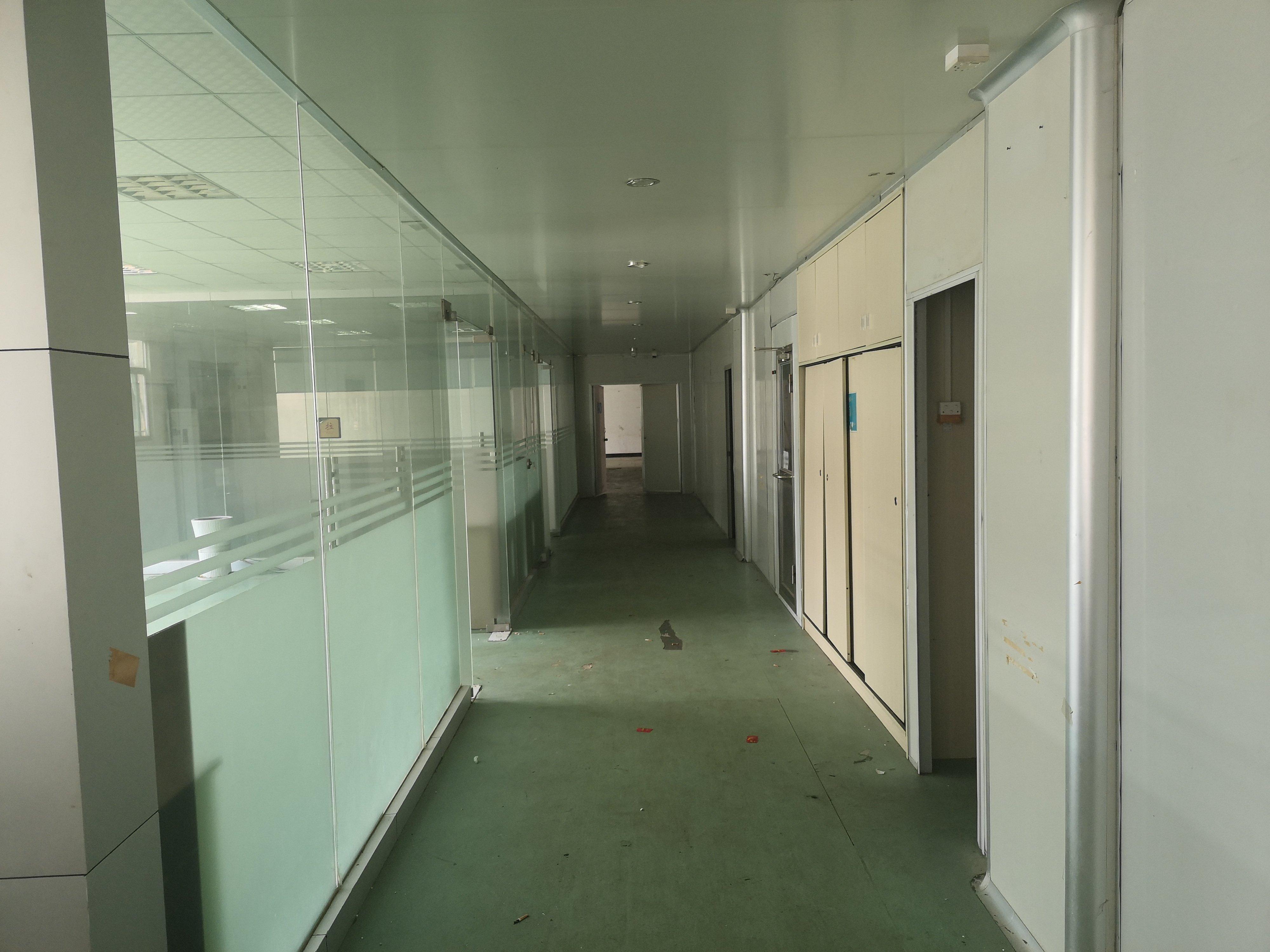 长安街口新出楼上带装修现成无层车间