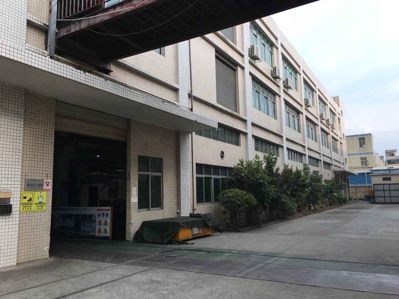 长安乌沙新出楼上整层精装修厂房1500平方,水电齐全。