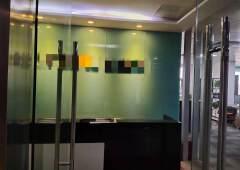 西乡地铁口,高楼层,落地窗,精装修