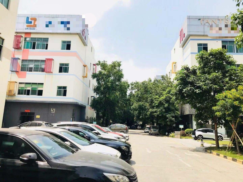 福永镇楼上高新产业园!楼上精装修1500平米出租