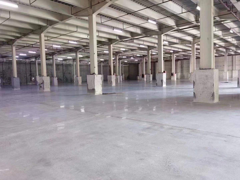 横岗高速路口新出带卸货平台大型物流仓库