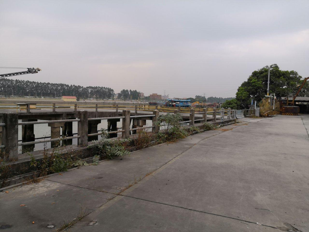 特殊行厂房带大型码头