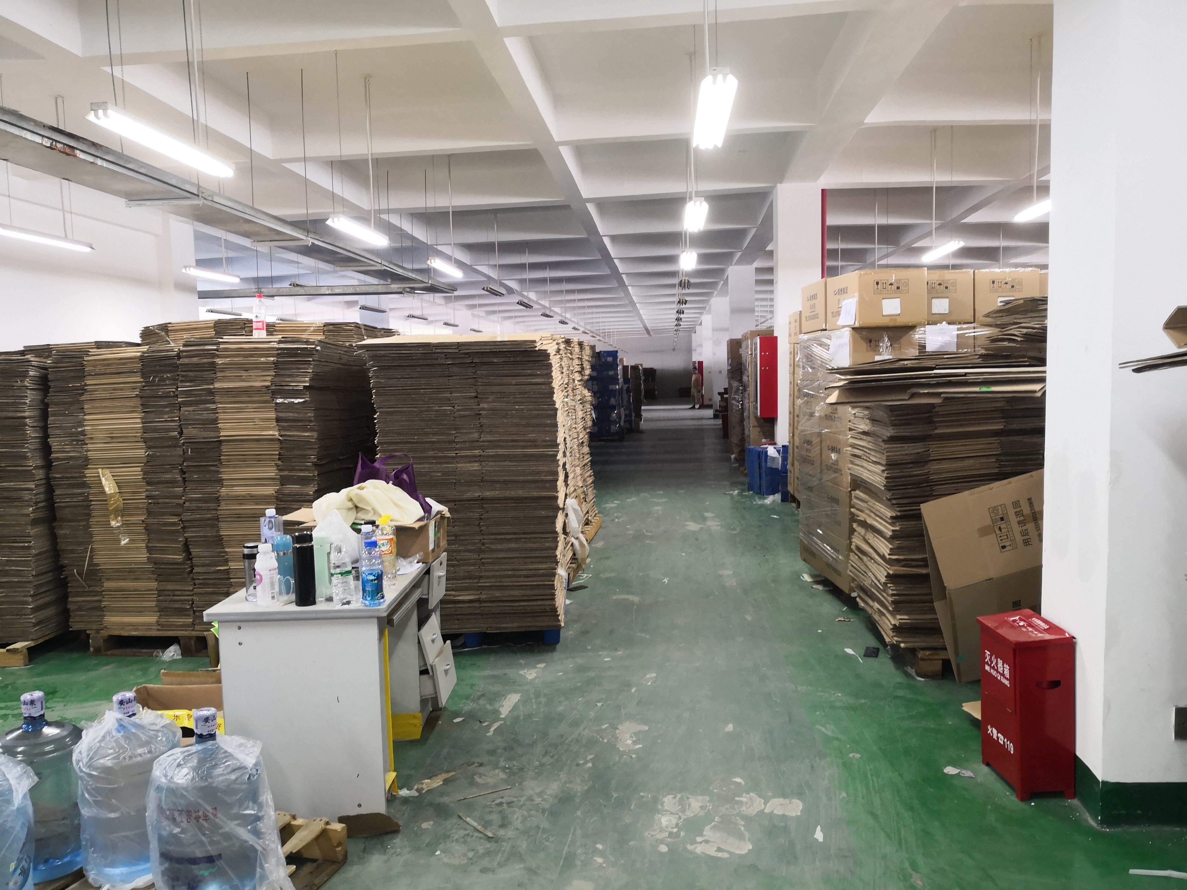 宝龙工业区新出一楼3000平厂房报价30元带卸货平台适合仓库