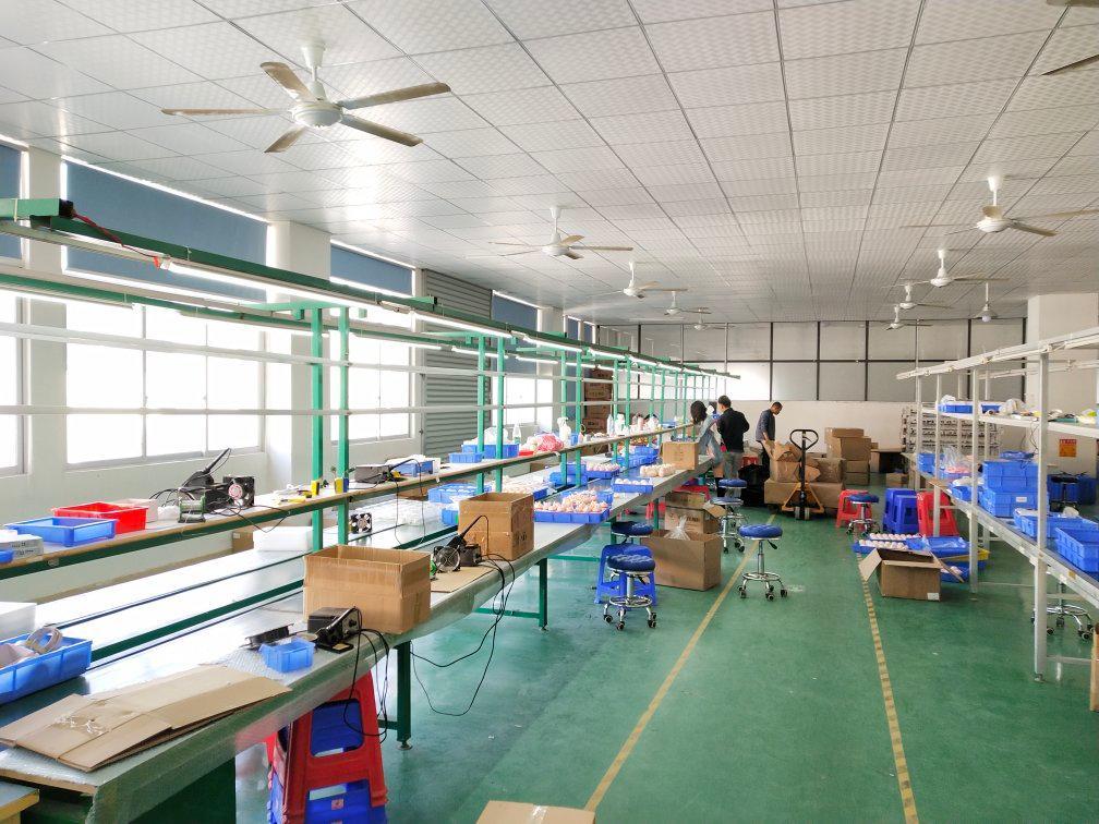 长安乌沙新出楼上整层精装修厂房,四面采光面积1000平方。
