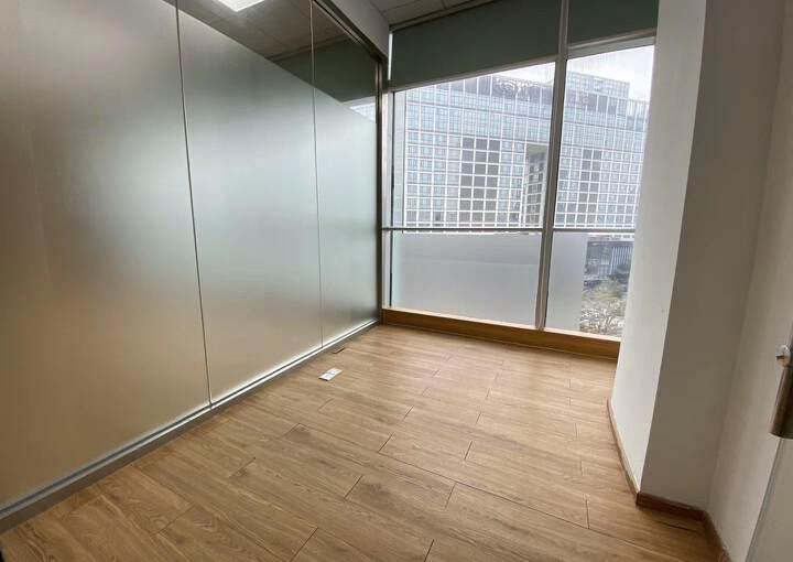 龙岗珠江广场精装修3+1户型办公室!有红本!电梯口户型图片2