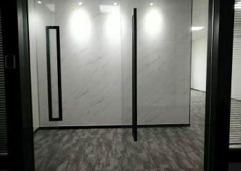 清湖地铁口附近办公室155平2+1格局豪华装修图片1